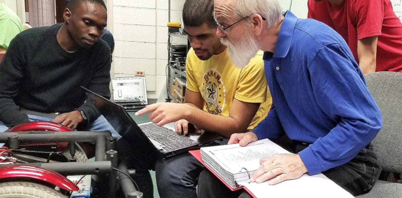 Robotics Class Teaches Students Practical Skills