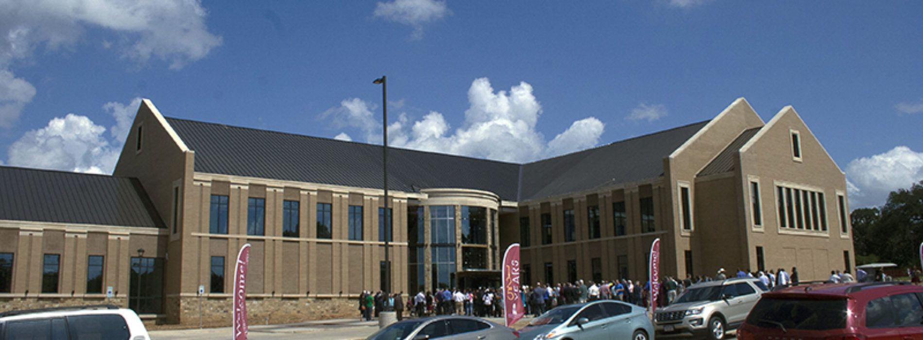 More than 500 Attend Nursing Building Open House